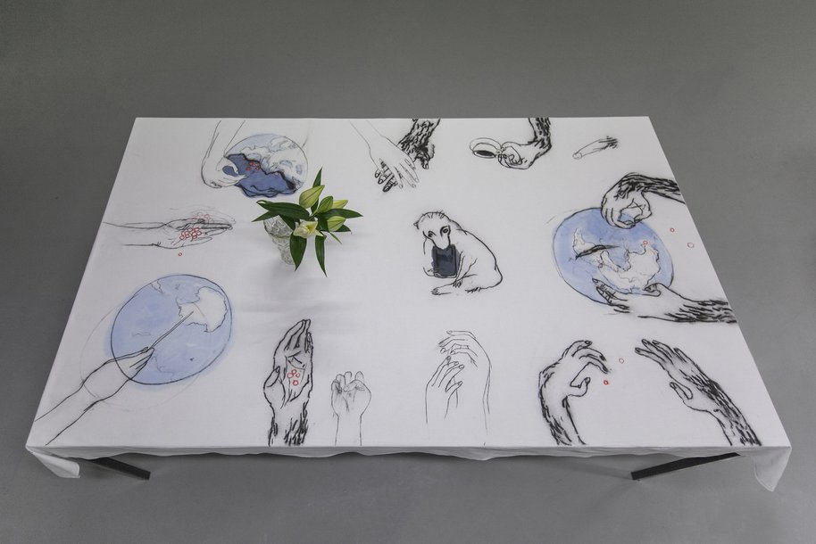 Krieg und Liebe, drawing on table cloth, 122 × 200 cm, 2015