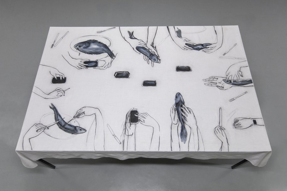 Digital family dinnerparty, drawing on table cloth, 130 × 200 cm, 2015